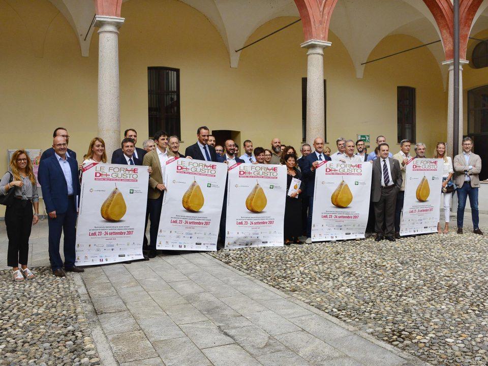 Forme del gusto Lodi, nella foto partecipanti e sponsors tecnici presenti in provincia alla presentazione della 7 edizione